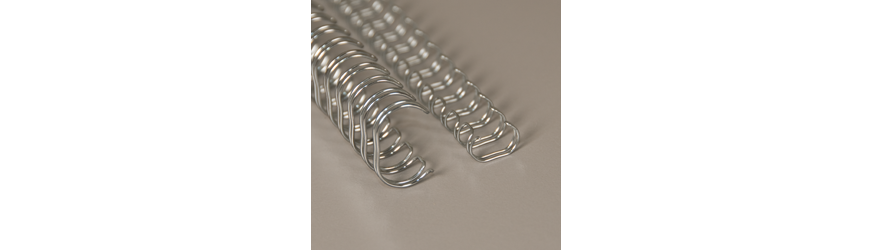 Hopean väriset metallikamman (wire-o) pätkät